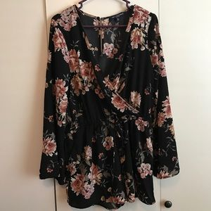 Other - Sz large black floral romper